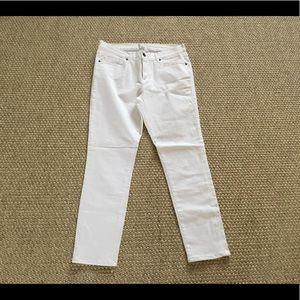 WHITE SKINNY JEANS BY IRIS & INK in size 31